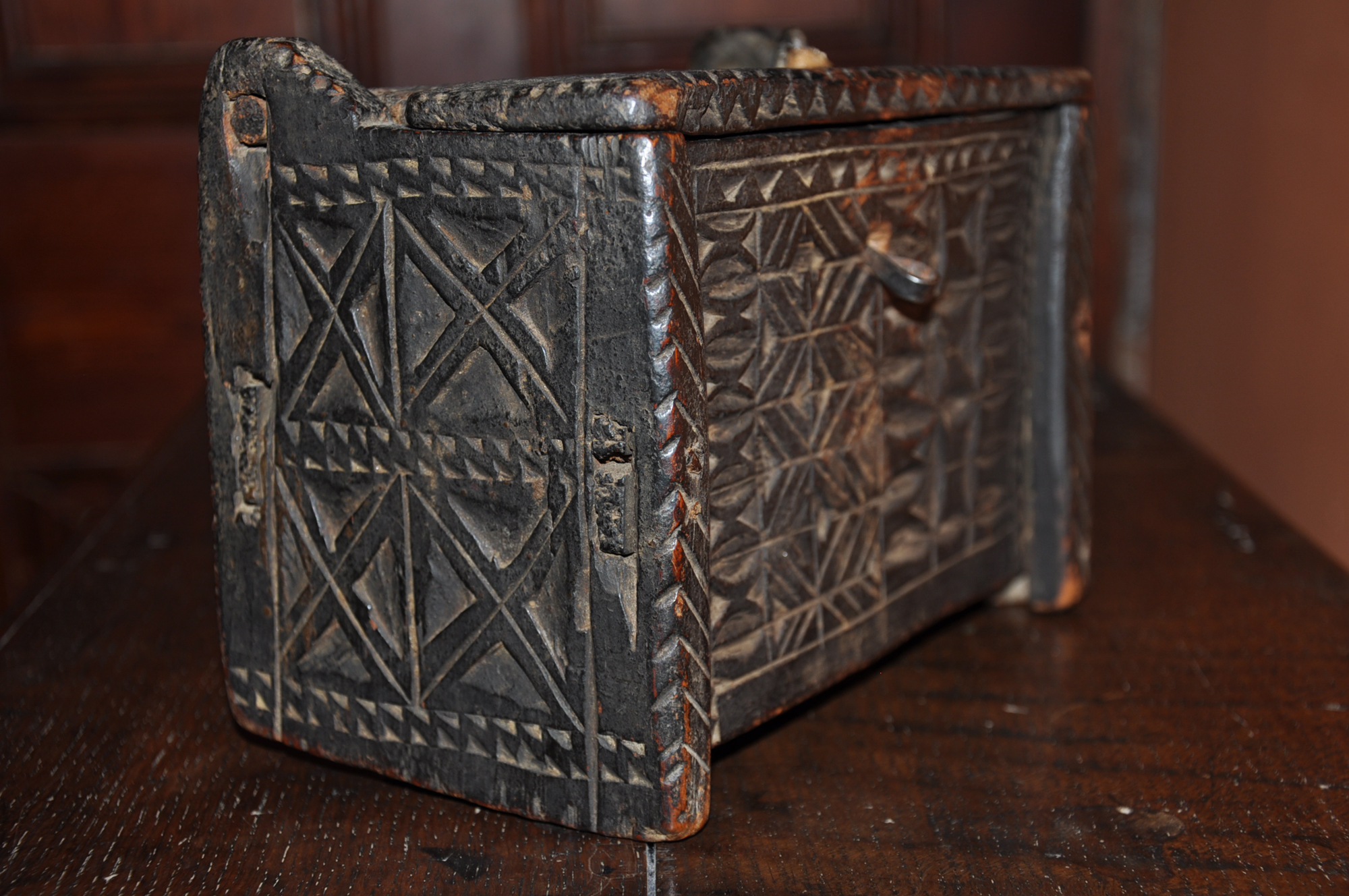 Small Oak Chip Carved Box Holmes Antiques